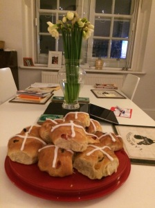 An Easter bouquet and buns